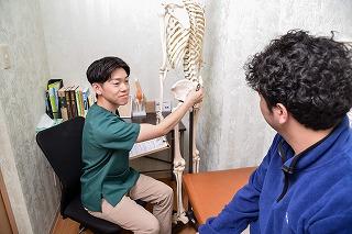 骨盤矯正とマッサージはどちらの方が効果あるのか